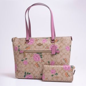 Coach Prairie Rose tote with matching wallet NWT